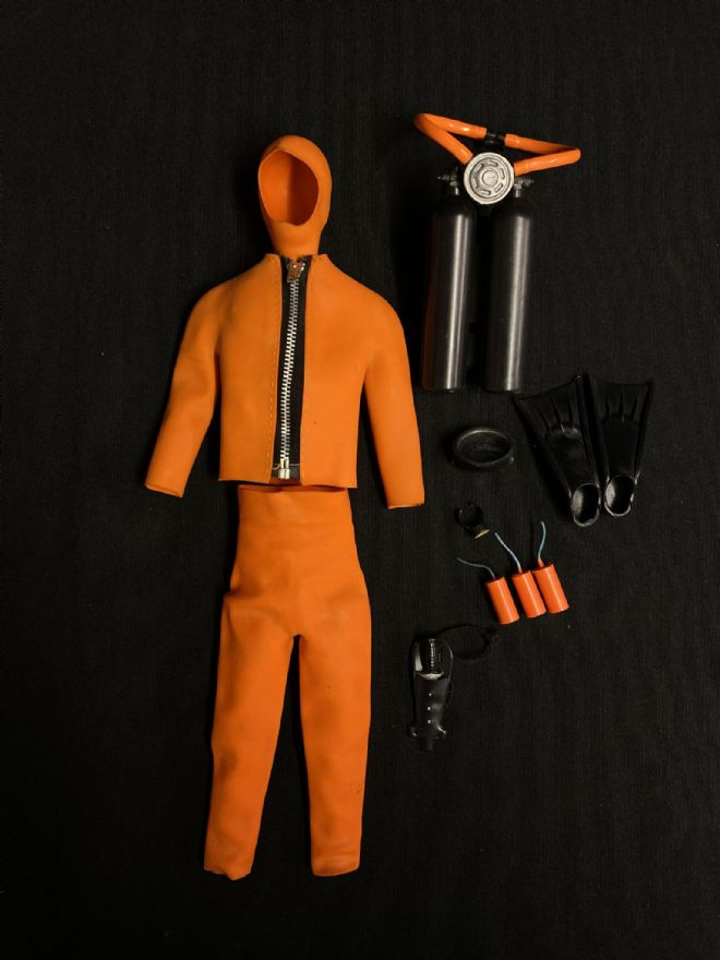 VINTAGE ACTION MAN - ORANGE FROGMAN UNIFORM